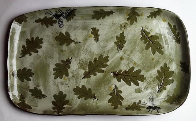 Oak leaves and insects large dish