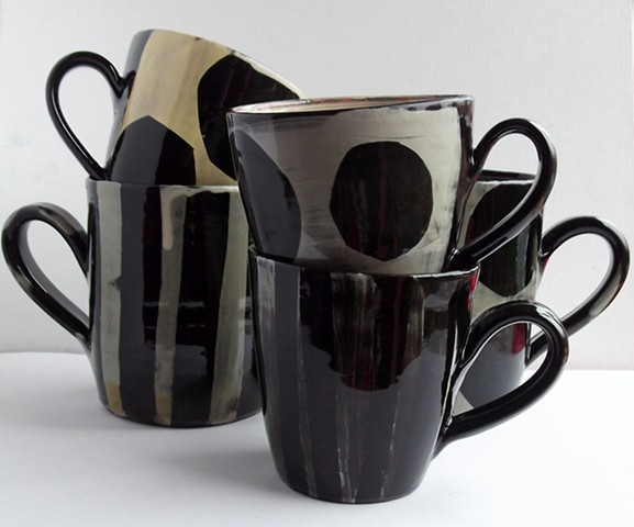 Mugs with dots and stripes