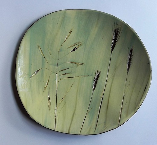 802. Shallow bowl with straws