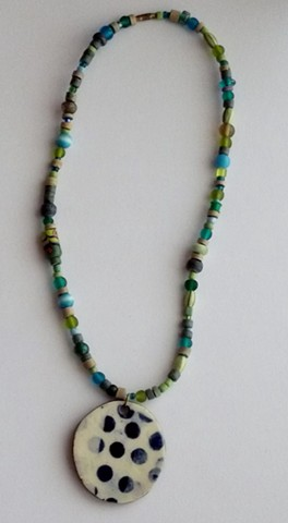 239 dot choker with beads