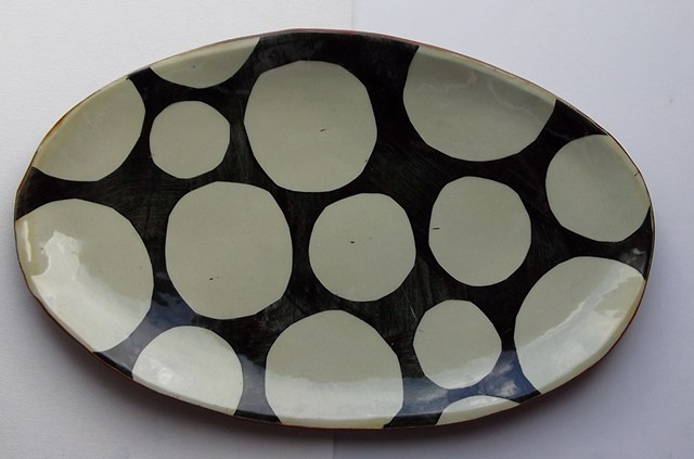 33 Oval dotty platter