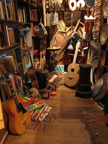 Amy Flaherty Guitar Elsewhere