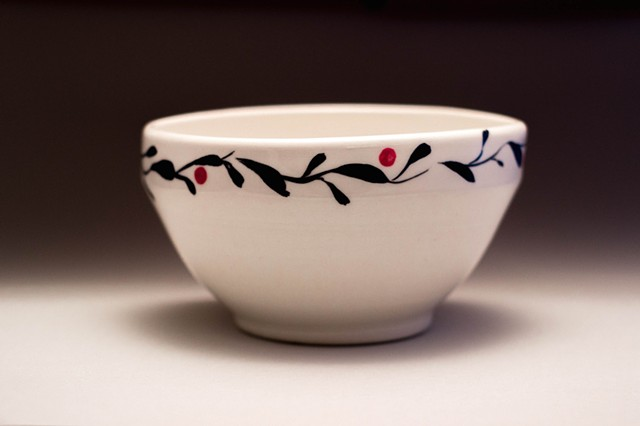 Vine design, cereal/soup bowl  Wholesale price $12.00