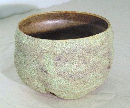 Footed form 4 with crater glaze