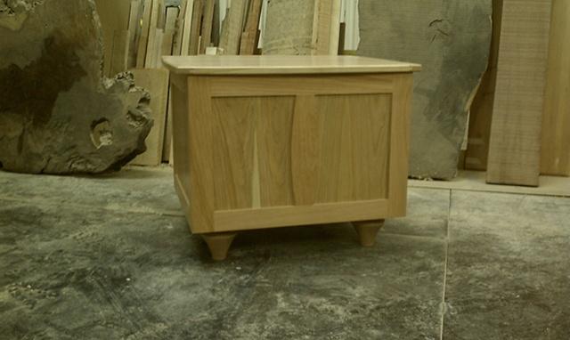 Eco-friendly Side storage table