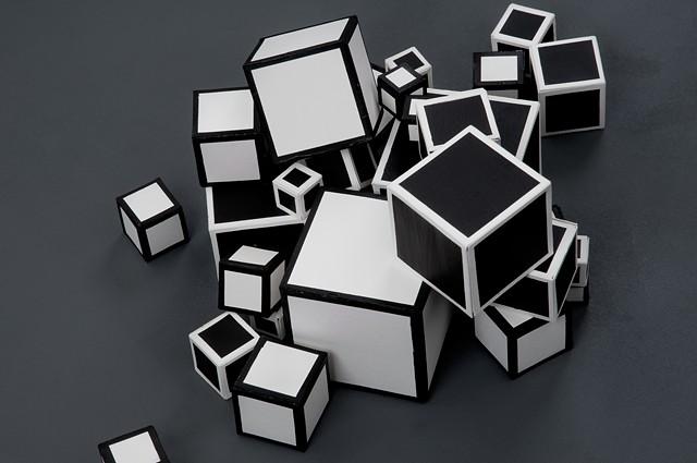 17 Cubes, photograph detail