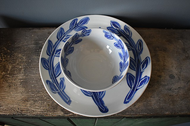 Laurel Leaf Plate and Bowl