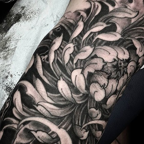 rob junod sacramento japanese tattoo chrysanthemum