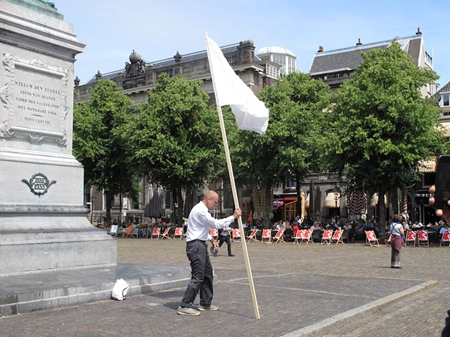 It's not about a bike, Michael Barrett, P.S. This is Live, Den Haag, Het Plein, Parliament, Performance Art, Quartair