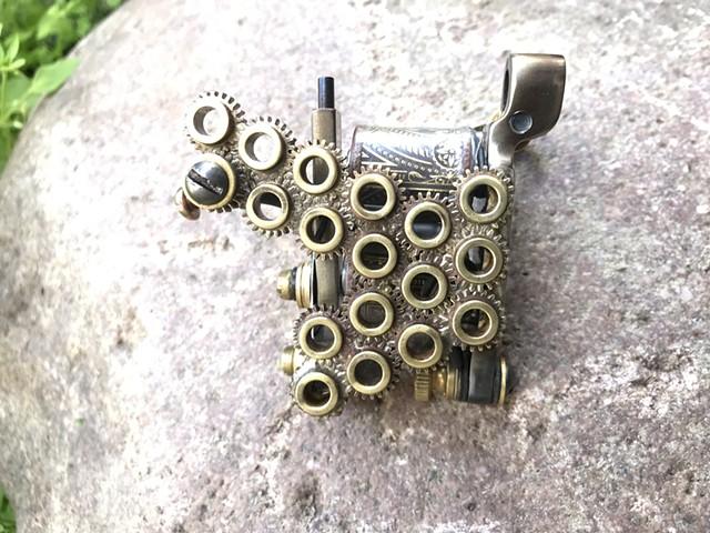 Gear nuts liner
