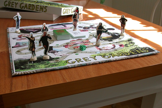 Grey Gardens Board Game (game play)