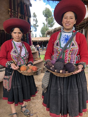 Textile Artis of Chinchero