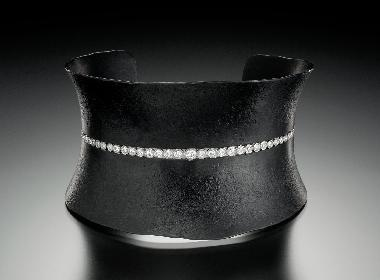 """Diamond Taper Cuff"""
