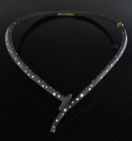 """Diamond Sprinkle Neckpiece"""