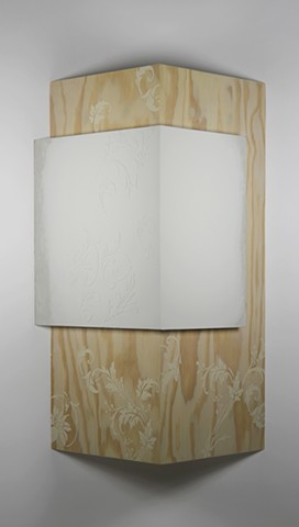 Constructed corner, wallpaper and plaster patterns
