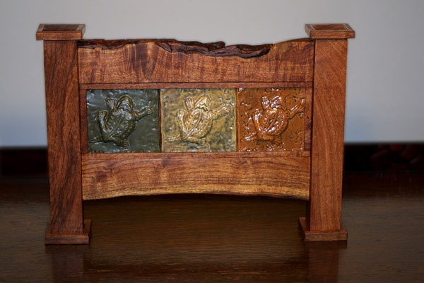 Mesquite framed tile mural with 3 horned toads.
