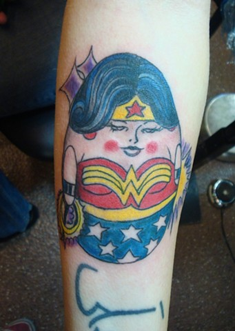 steve anderson, tattoo artists, male tattoo artists, tattoo art, tattoo life, tattoo addict, tattoos, cute tattoos, colorful tattoos, weeble wobble, wonder woman, wonder woman tattoos, adorable, weeble wobble tattos, ink, inked, inked up, think in, oshkos