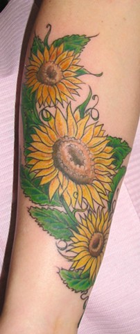 steve anderson, 920 tattoo, tattoos, sunflowers, sunflower tattoos, sunny, flowers, flower tattoos, oshkosh, wisconsin