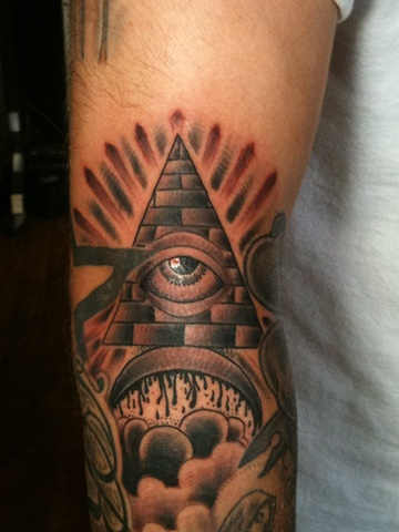 all seeing eye tattoo,Steven Anderson, 920 Tattoo Company, tattoo, tattoo shop, Oshkosh, black and grey tattoo, custom tattoo