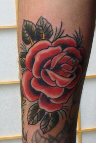 920 tattoo, steve anderson, tattoos, traditional tattoos, rose tattoos, roses, bold will hold, wisconsin