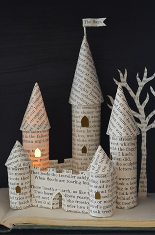 'Castle' lightbox - detail