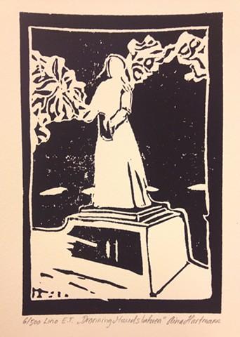 Dronning Maud statue
