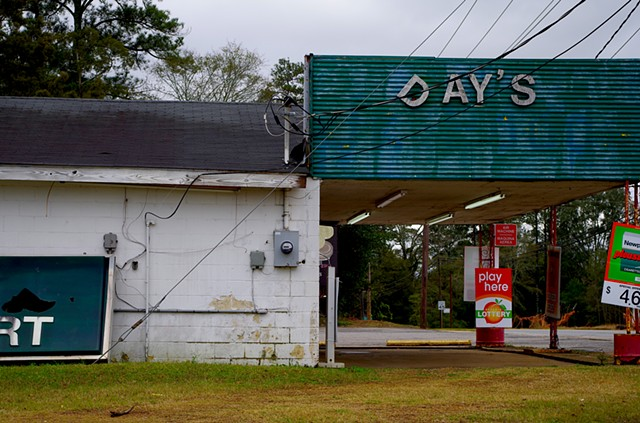 It Aint the End of Day's. Day's Minit Market. Blakely, GA.