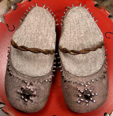 princess pinks, mud nails, tacks