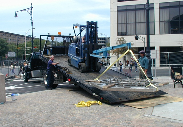 """New Arc"" unloading the sculpture on site"