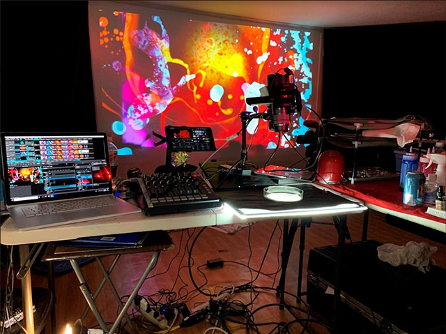Analog Digital Hybrid Liquid Light Show