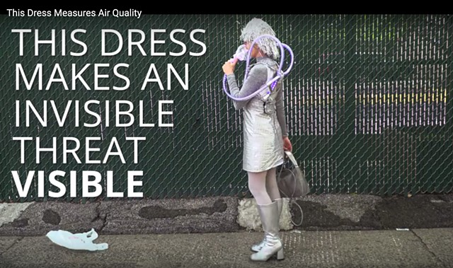 Popular Science Blog : This dress changes color to show how polluted your air is