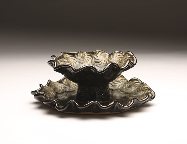 ruffle bowl and plate