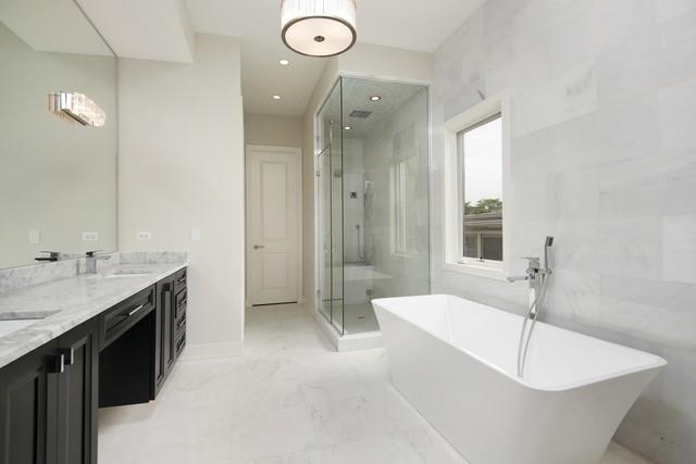 Master Bath Chicago Bucktown