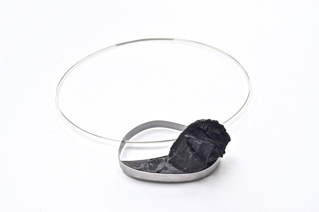 Meteorite Rose  necklace