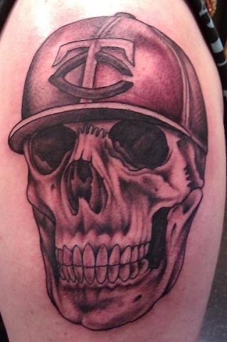 Peter McLeod Tattoo Skull Twin Cities tattoo