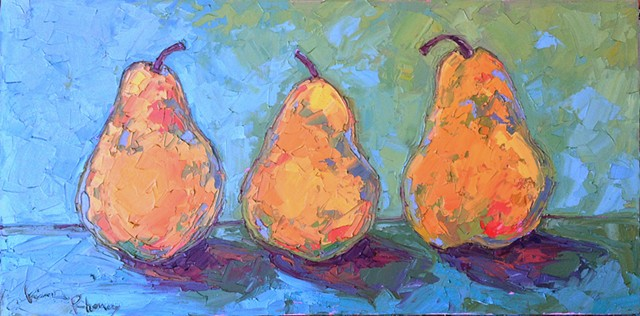3 pears standing upright