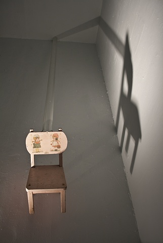 sculpture, Kalena Patton, sculptor, Parsons, LAs Vegas, NYC, New York, chair, pink, theatrical, lighting, drama, tube, shadow, stage