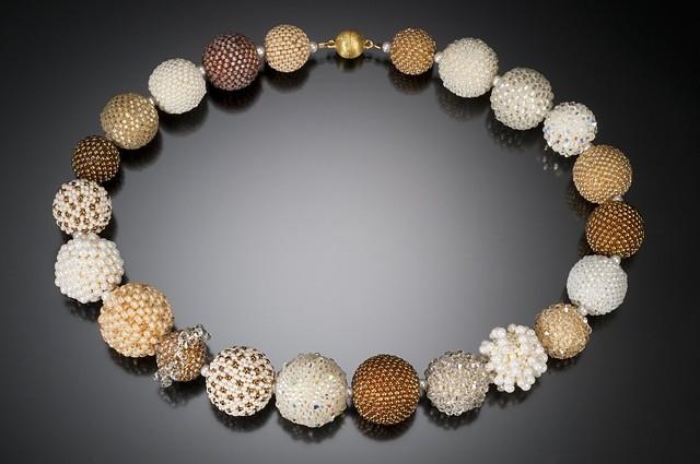 Cream Beaded Bead Necklace