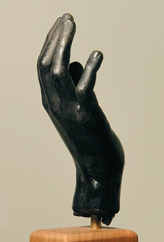Creative Hand (La Mano Creativo), side view