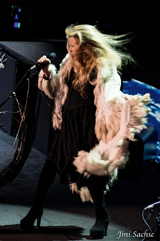 Stevie Nicks, Live Music, solo career, fleetwood mac, white witch