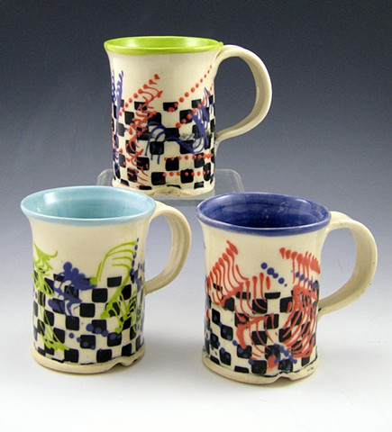 assorted color interior check mugs