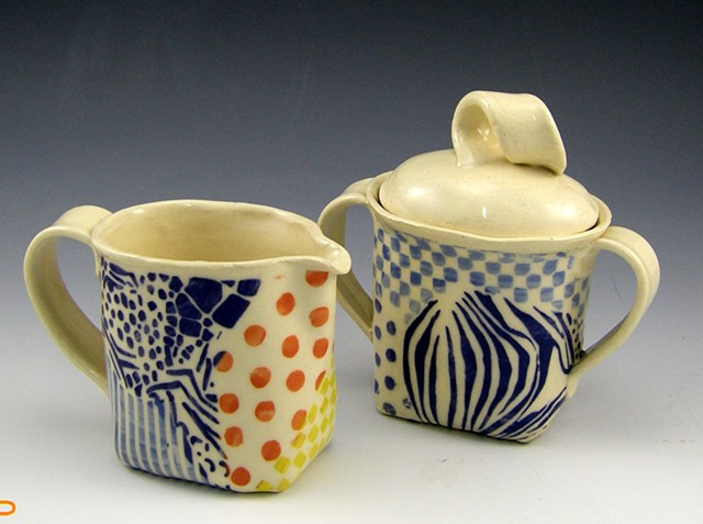 collage series 5 creamer and sugar set 0076