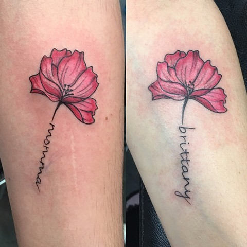 poppy tattoos with lettering