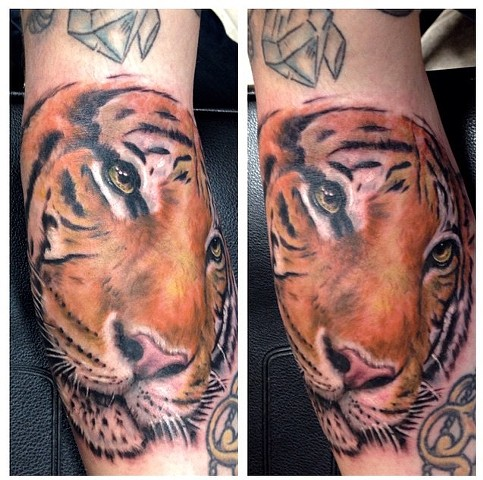 colour tiger tattoo strange world tattoo
