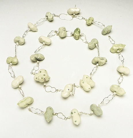 Peanut Necklace-Green, On the Go