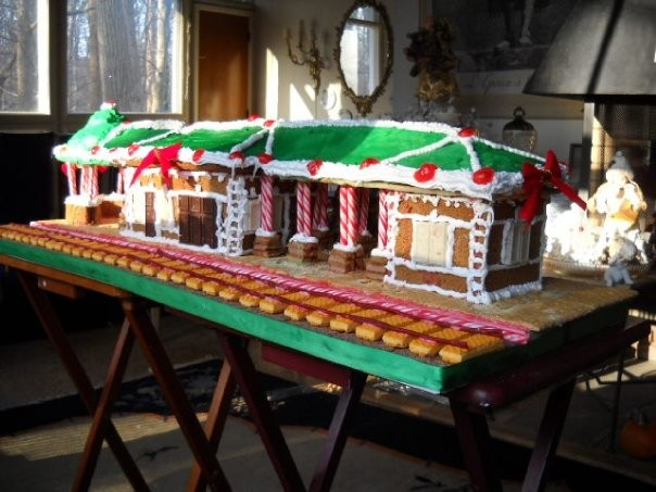 Rutherford Trainstation Gingerbread House