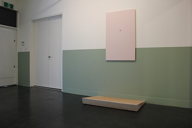 I want to stand out but I don't know how (or, making every effort to produce the optimal viewing conditions for contemplation of the individual character of artworks)