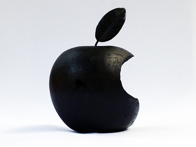 Darren Jones, Scottish artist, apple sculpture