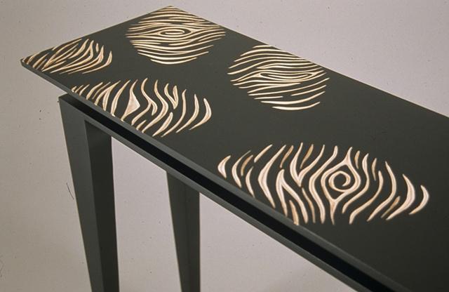 Charmant Detail, Fingerprint Table