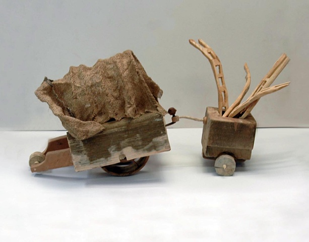 sculpture wagon war toys
